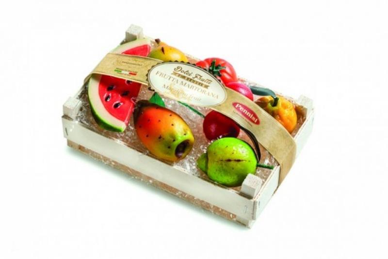 Marzipan-Fruit-in-wood-box-or-basket